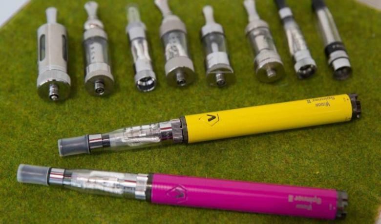 السجائر الإلكترونية تحفز الأطفال للإعجاب بالتدخين