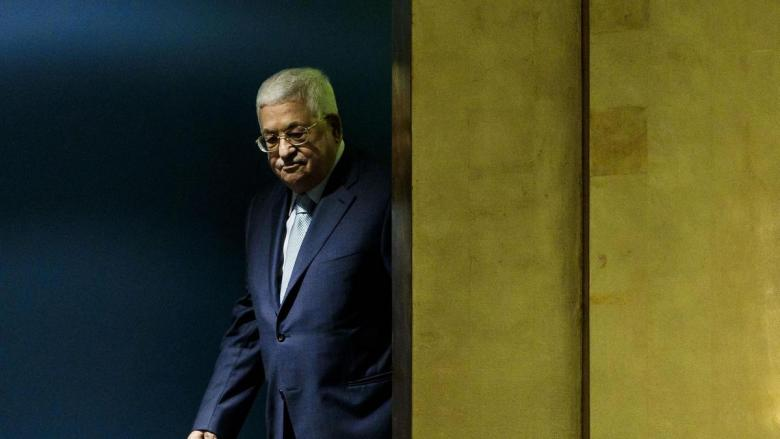 هذه الأسباب دفعت عباس للتراجع وقبول أموال المقاصة منقوصة