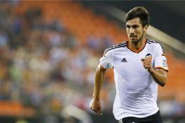مورينيو يريد لاعب فالنسيا في مان يونايتد