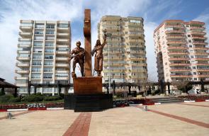 نصب شهداء معركة عفرين في مرسين بتركيا