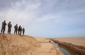 تونس تحفر خندقاً مائياً على حدودها مع ليبيا لمنع عمليات التهريب