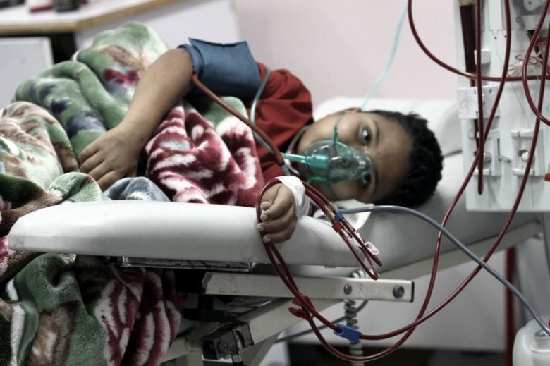 """""""الصحة"""" تحذر من تداعيات نفاد الأدوية الأساسية لمرضى غزة"""