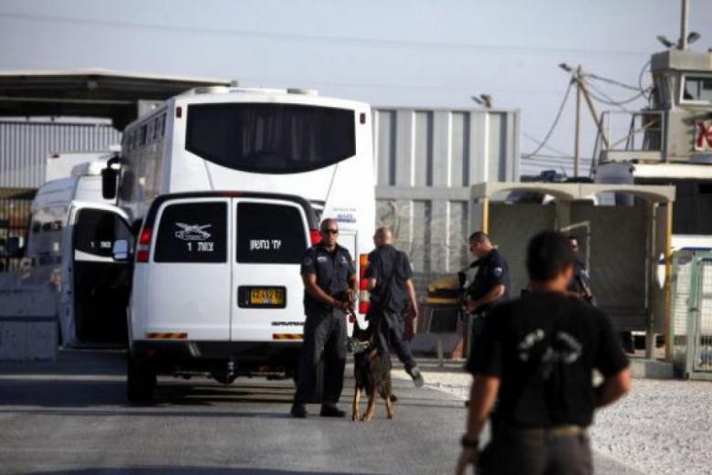 الاحتلال يبتر قدم الفتى المصاب محمود صلاح