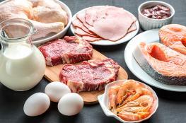 ماذا يحدث عندما تتناول كمية كبيرة من البروتينات؟