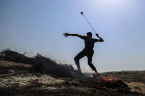 25 إصابة في مواجهات مع الاحتلال على حدود القطاع