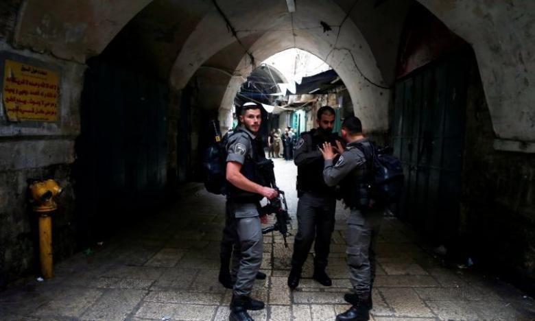الاحتلال يبعد 7 مقدسيين عن المسجد الأقصى