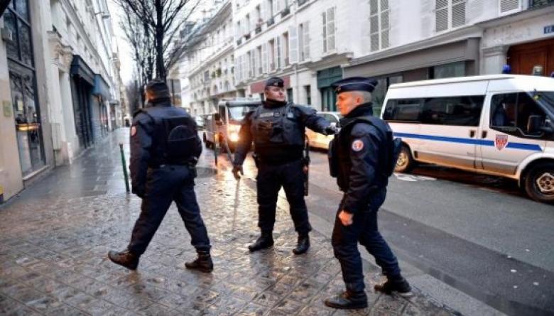تونسي يذبح شقيقه ووالده بضواحي باريس