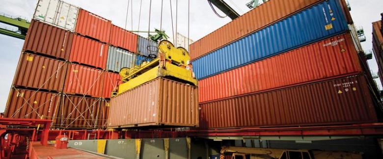 انخفاض الصادرات بنسبة 13% مقارنة مع شباط 2018
