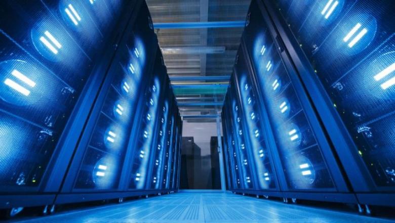 الاتحاد الأوروبي يسعى لصناعة أكبر حاسوب في العالم بمليار$