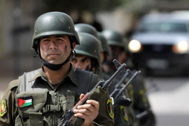 أجهزة الضفة تعتقل 3 مواطنين على خلفية سياسية