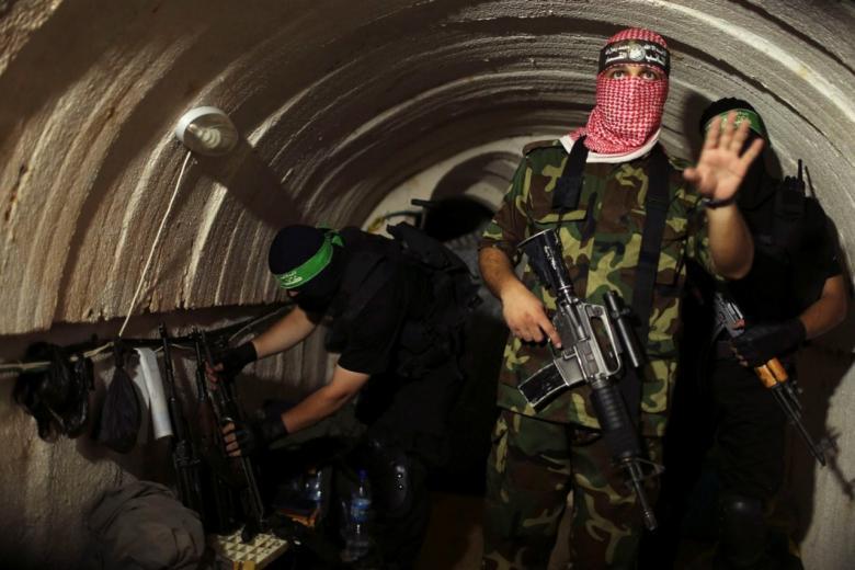 خبراء إسرائيليون: بناء جدار شرق غزة قد يسرع المواجهة