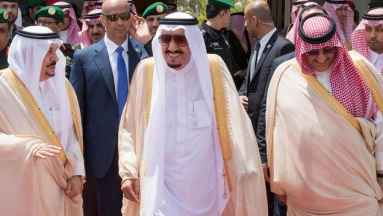 العاهل السعودي يغادر اليابان إلى الصين