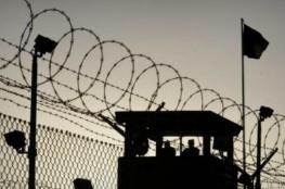"""7 أسرى يواصلون معركة """"الأمعاء الخاوية"""" في سجون الاحتلال"""