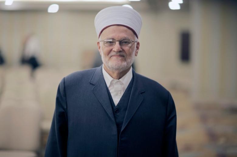 الاحتلال يُسلم الشيخ عكرمة صبري قرار إبعاده عن الأقصى