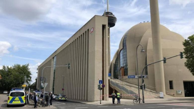 """ألمانيا ترصد مخططات """"مرعبة"""" لمهاجمة المساجد"""