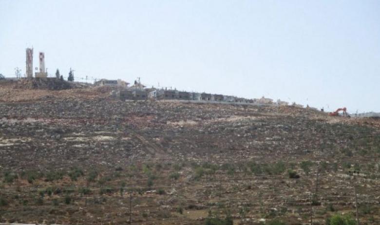 """40 ألف فلسطيني يعطشون من أجل 5 عائلات استيطانية بـ""""مجدوليم"""""""