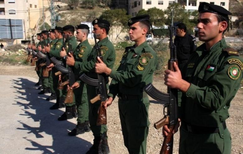 حماس: السلطة اعتقلت مواطنًا واستدعت محررًا وصحفيًا