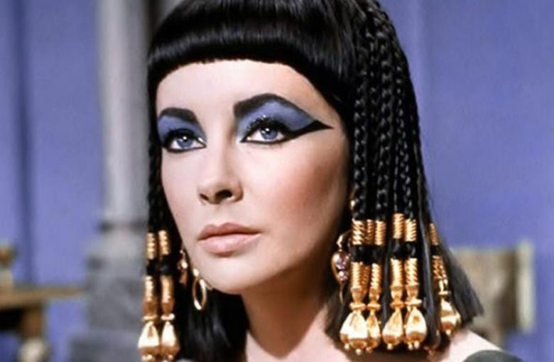 التايمز: اكتشاف عطر كليوباترا آخر ملكات مصر