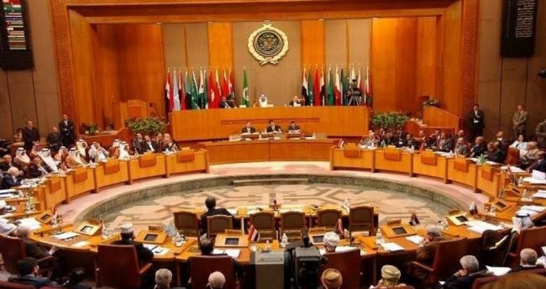 العاهل السعودي يفتتح القمة العربية في الظهران