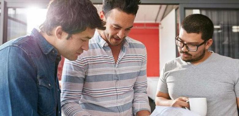 كيف يمكن أن تجعل الموظفين يشعرون بالسعادة؟