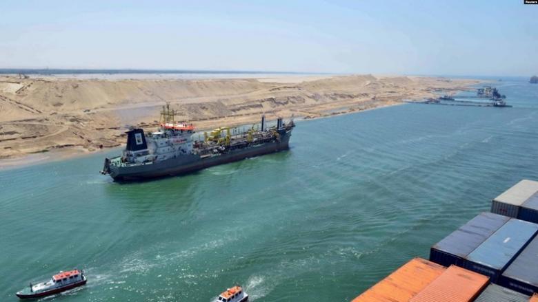 لم تفادت ناقلة النفط الإيراني قناة السويس؟