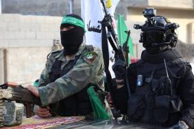 """ما سبب تراجع """"إسرائيل"""" عن نزع سلاح """"حماس"""""""