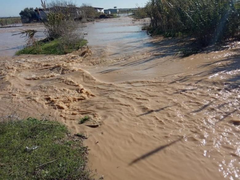 الاحتلال يفتح سدود وعبّارات مياه الأمطار شرق غزة