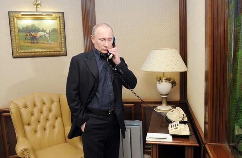 """""""هآرتس"""": اتصال من بوتين وضع حداً لمواجهة بين """"إسرائيل"""" وإيران"""