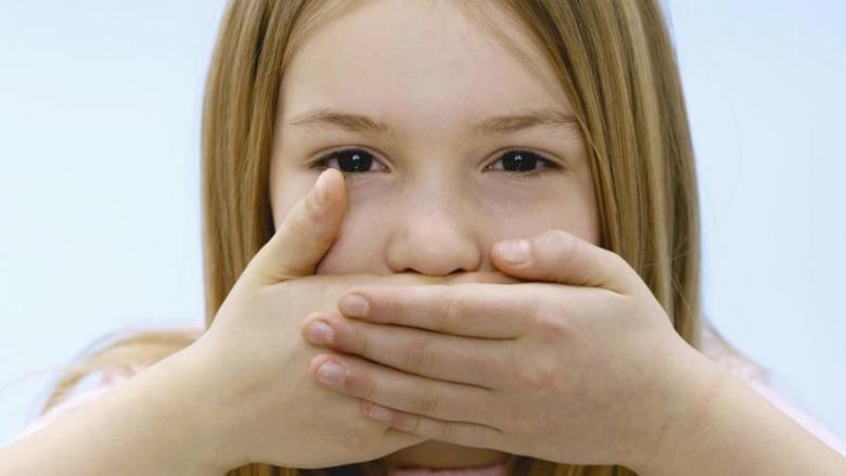 ما هو الصمت الانتقائي لدى الأطفال؟