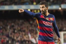 لاعب برشلونة يفرغ خزانته استعدادًا للرحيل