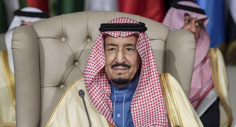 """كلفته 24 مليون ريال... ماذا يفعل الملك سلمان بـ""""أطهر ثوب"""" بعد استبداله"""