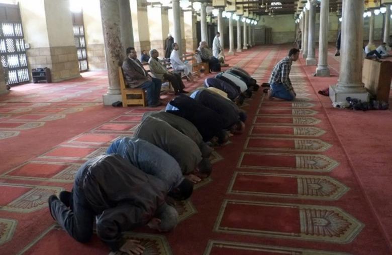 تزايد ظاهرة الرقص والغناء بمساجد مصر