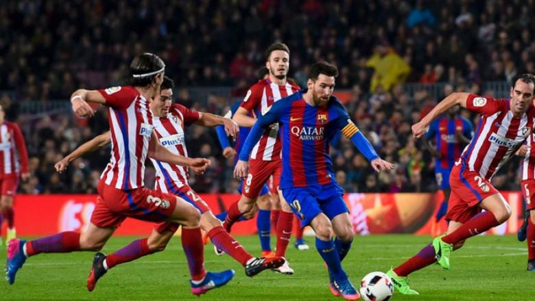 أتلتيكو يصعق برشلونة في مباراة مجنونة ويصعد لنهائي السوبر