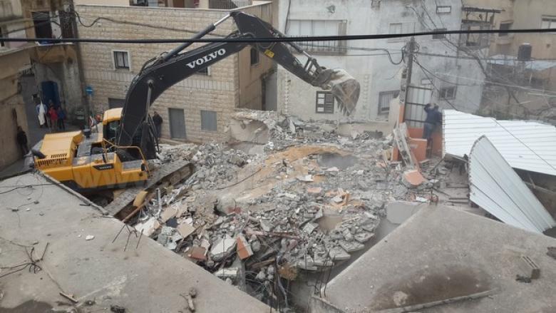 الاحتلال يهدم منزلا في الرملة