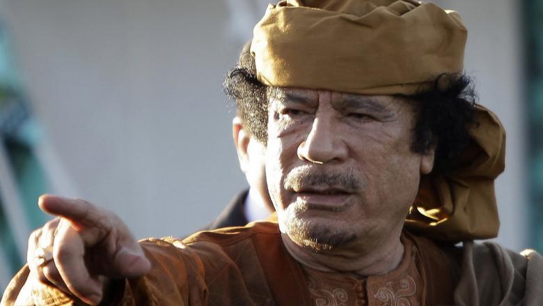 ماذا قال القذافي لعائلته قبل لحظات من مقتله؟
