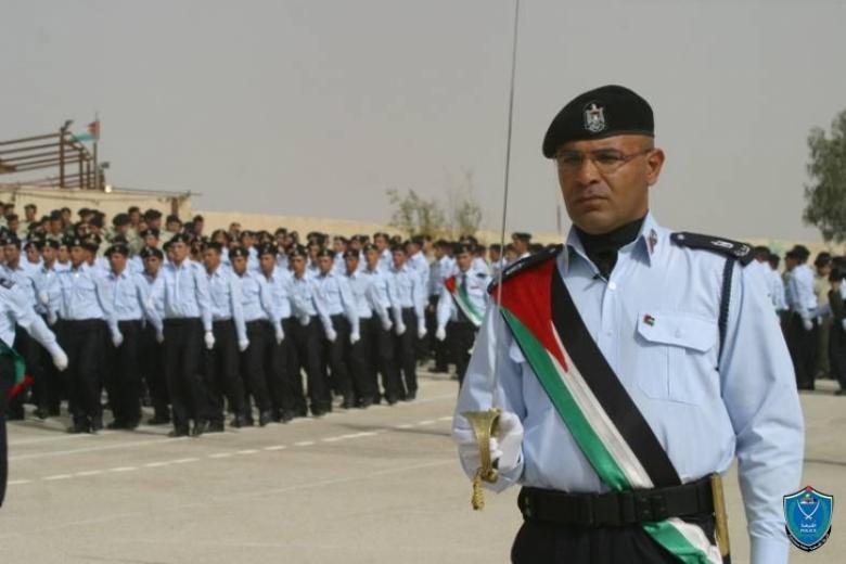 أريحا: الشرطة تخرج دورة السلامة الشخصية والأمنية للصحفيين