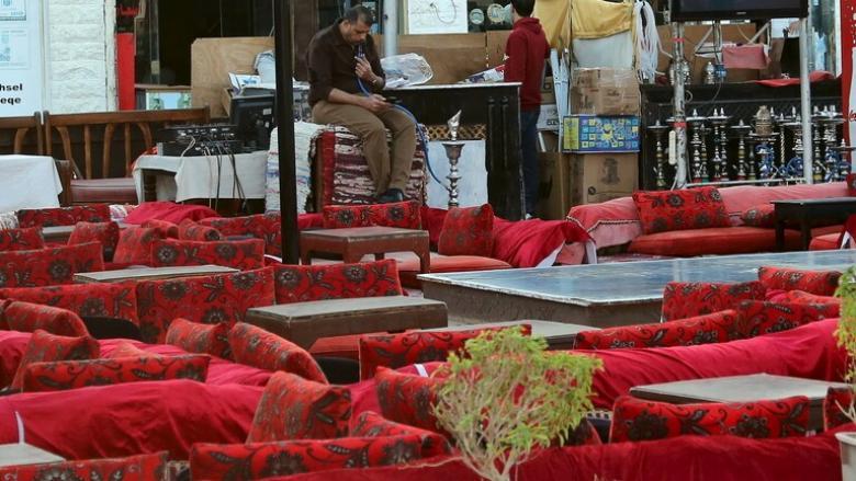 مصر تغلق المقاهي والنوادي والمطاعم حتى نهاية مارس