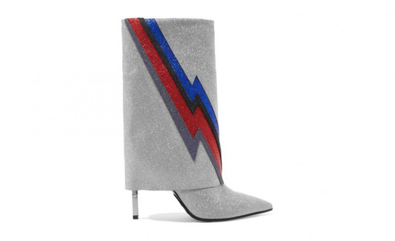 الأحذية البرّاقة إضافة جميلة وأنيقة لخزانتك هذا الشتاء