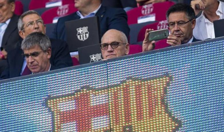 برشلونة يرد على المطالبات باستقالة بارتوميو