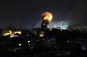 انتشال جثماني شهيدين إثر قصف مدفعي شرق رفح