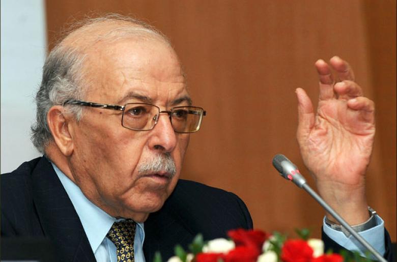 محافظ البنك المركزي التونسي يتنحى من منصبه