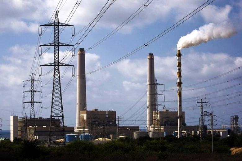 """موقع عبري: مردخاي أبلغ السلطة نية """"إسرائيل"""" إعادة الكهرباء لغزة"""