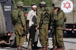 الاحتلال يحتجز عمال لجنة إعمار الخليل