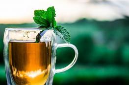 فائدة مهمة لشرب الشاي ساخناً