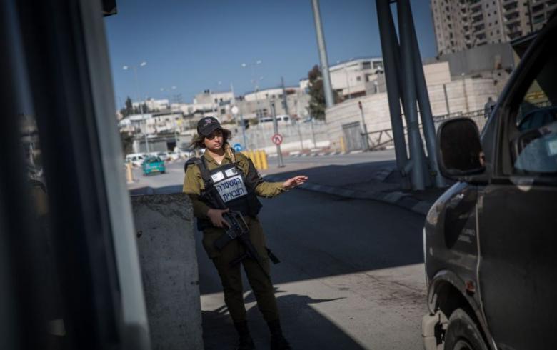 حاجز إسرائيلي يعيق تحركات المواطنين جنوب جنين