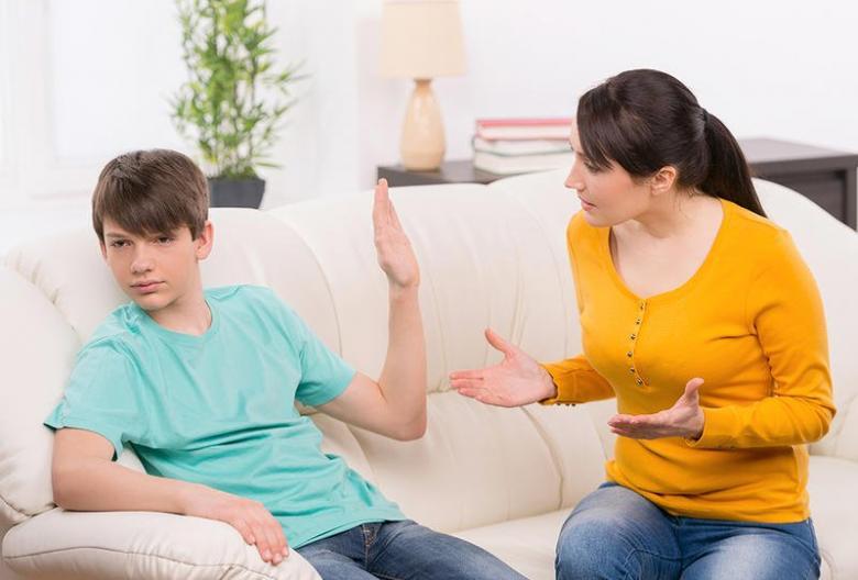 أخطاء في التربية تجعل طفلك شخصية مترددة في المستقبل