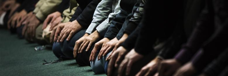 """دين المظاهر.. لماذا ينتشر """"النفاق الديني"""" في رمضان؟"""