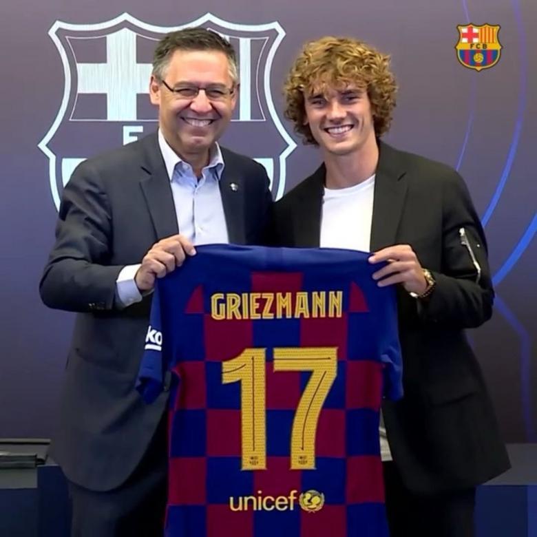 جريزمان يكشف رقمه مع برشلونة