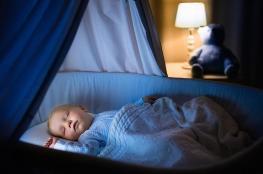 6 طرق لجعل طفلك الرَّضيع ينام ليلاً