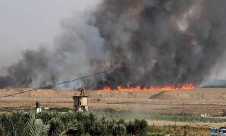 """5 حرائق في """"غلاف غزة"""" بفعل بالونات وطائرات حارقة"""